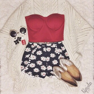 blouse crop tops shorts shoes floral shorts floral daisys cute shirt red red shirt spring black black shorts daisy bralette glasses