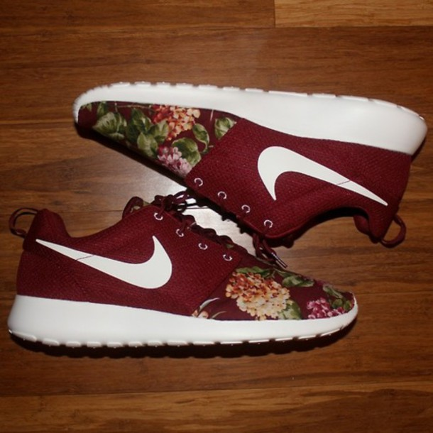 -shoes-nike-sneakers-floral-burgundy-nike+roshe+run-maroon+floral