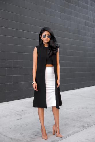 walk in wonderland blogger top jacket skirt shoes