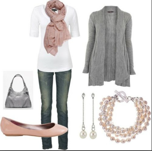 earing scarf pink pink scarf white shirt gray sweater necklace pink shoe