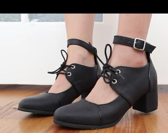 shoes oxfords black oxfords cut-out oxfords oxford heels lace up hipster grunge soft grunge 60s style high heels pumps
