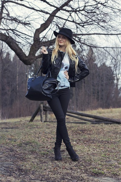 charmeuse blogger hat printed sweater leather jacket black pants