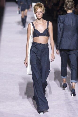 jeans lexi boling top bra bralette runway model tom ford fashion week nyfw 2017 ny fashion week 2017