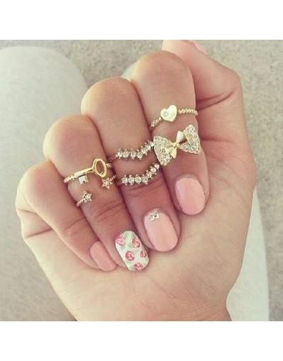 Blogger trend acessories jewells chic fashion