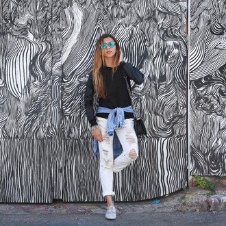 cuppajyo blogger white ripped jeans