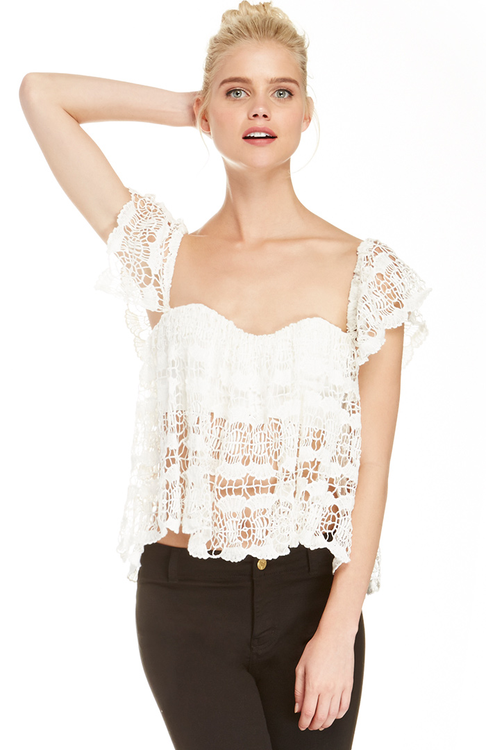 DailyLook: Boxy Crochet Lace Top in White M - L