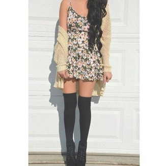 dress bonny daisy dress daisy black bautiful pretty shoes socks coat