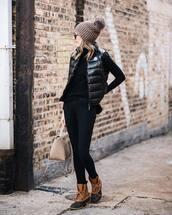 shoes,boots,pants,skinny pants,black pants,handbag,black vest,turtleneck,sunglasses