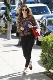 emmy rossum,pullover,flats,tote bag,red bag,leopard print