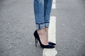 shoes,pumps,black pumps,heels,black shoes,hells