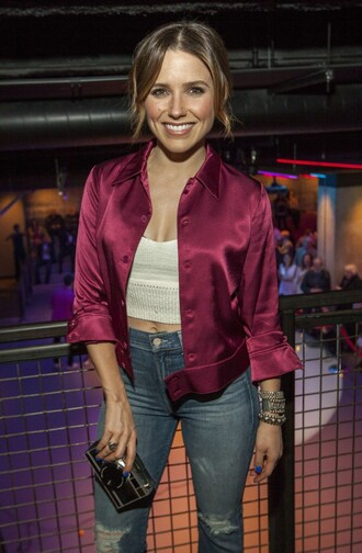sophia bush high waisted jeans white top white crop tops pink jacket ripped jeans