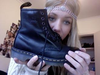 hair accessory pale cute dark tumblr shoes