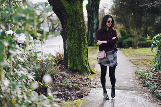 hey pretty thing blogger sweater skirt tights sunglasses jewels shoes bag