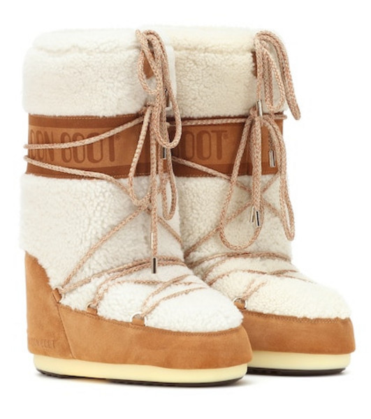 Moon Boot Wool and suede boots in white