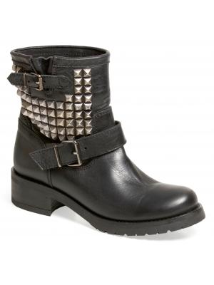 Bota custom con tachas metálicas - Alpe Tienda Online