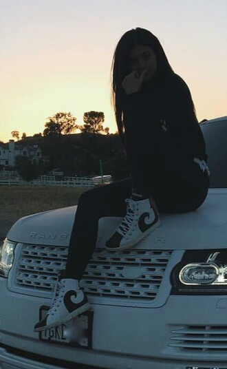 shoes kylie jenner black and white black white casual streetwear grunge high top sneakers