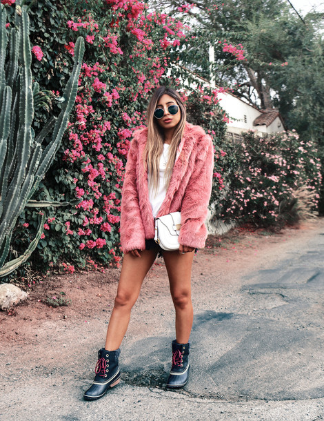 fancycorrectitude blogger top coat t-shirt fall outfits faux fur jacket pink fur jacket duck boots boots