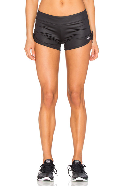 ALO shorts black