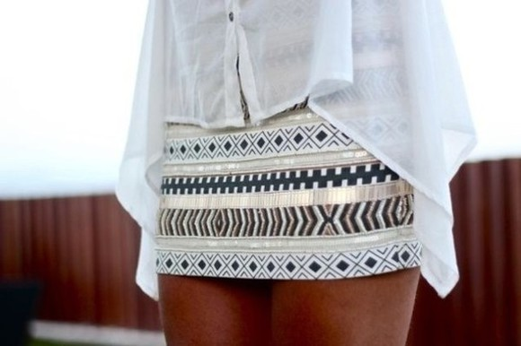 blouse aztec skirt aztec black white button up blouse white flowy top tribal pattern cream skirt skirt shirt flowy top flowy blouse chiffon blouse see through light blue neutral clothes lovr strapless summer dress aztec print dress