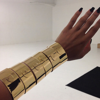 jewels bangle gold heavy dope trill fashion style cute tumblr nails black black and gold accessories accessory nail polish