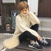 shoes,new balance,sneakers,black sneakers,suede sneakers,denim,sweater,nude sweater,knit,knitwear,knitted sweater,bag,furry bag