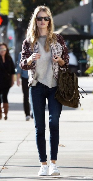 sneakers sweater rosie huntington-whiteley fall outfits jewels jacket