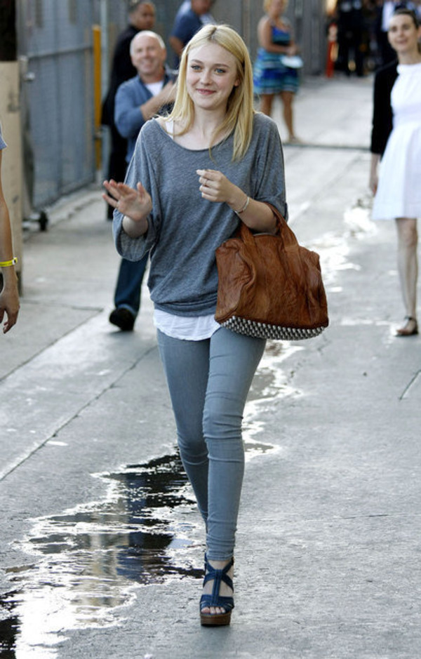 shoes bag dakota fanning