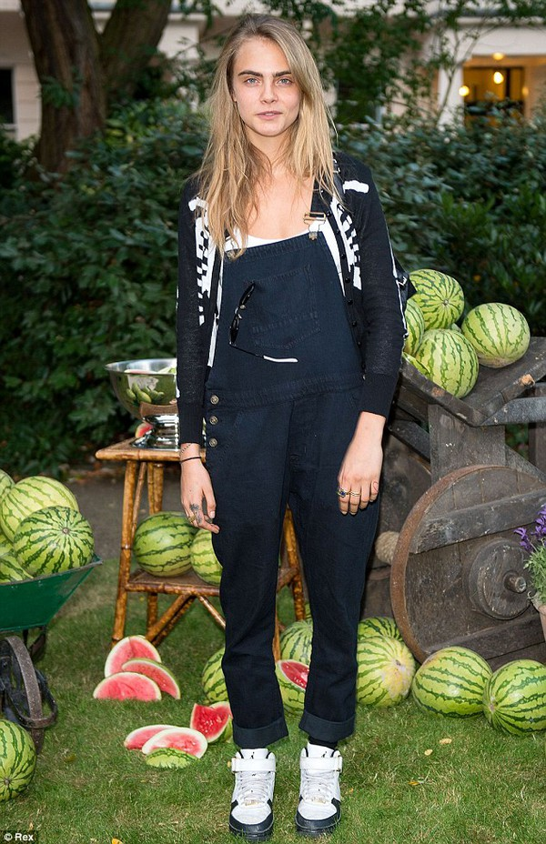 jeans cara delevingne dungarees