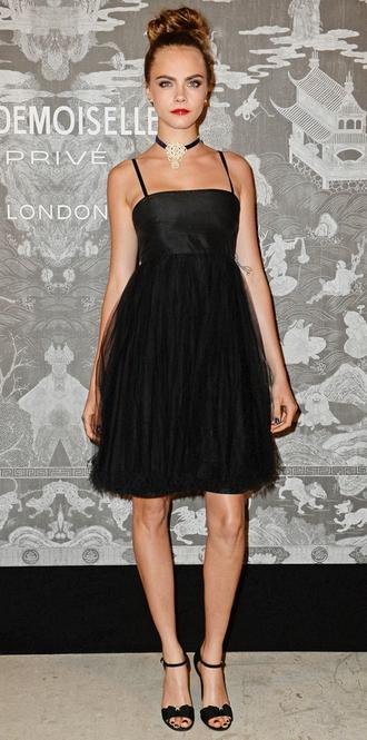 dress cara delevingne all black everything choker necklace