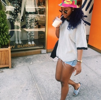 shirt justine skye oversized sweater oversized t-shirt blouse black dress tumblr outfit fashion grey sweater grey t-shirt hat