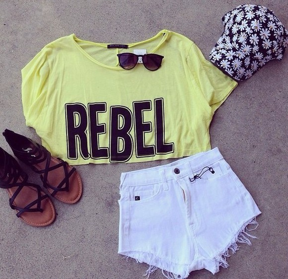 daisy lowe shorts white shirt yellow daisy crop tops t-shirt neon graphic tee graphic crop tops sunglasses summer outfits shoes