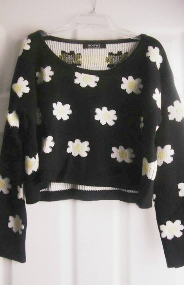 sweater daisy knit cute tumblr flowers crop tops cropped clothes tumblr clothes floral black white cropped sweater florals crop tops top yellow white crop tops daisy dasiy multiple flowers crop tops cropped sweater blouse daisy shirt long sleeves
