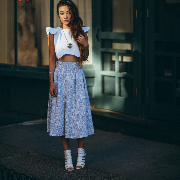 skirt magnolia crop top one by viva aviva joa sam edelman vanessa mooney top shoes jewels shirt crop tops blue polka dots flowers white heels gladiators ring necklace bracelets date outfit midi skirt cotton high waisted skirt floral maxi love blouse hipster