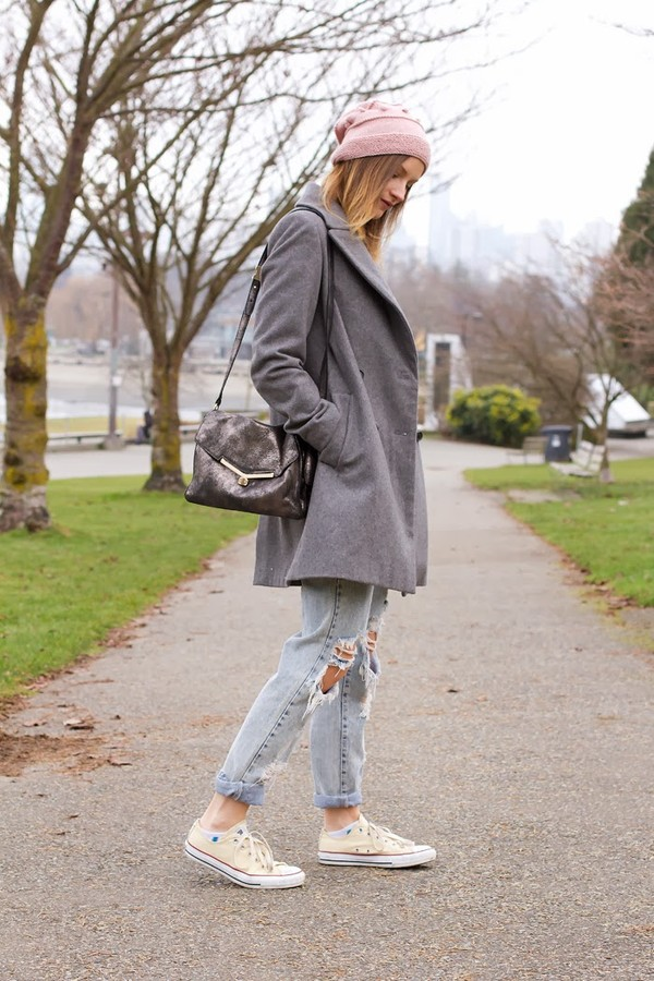 styling my life coat t-shirt jeans shoes bag hat jewels