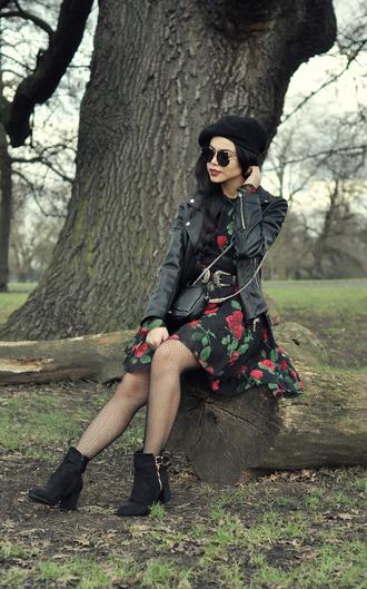 zebratrash blogger sunglasses belt jacket dress shoes bag jewels tights beret black leather jacket floral dress ankle boots shoulder bag