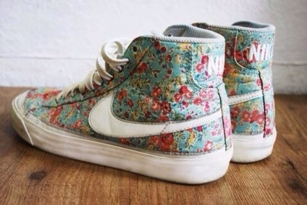 shoes floral nike flowers floral nike floral nikes just do it