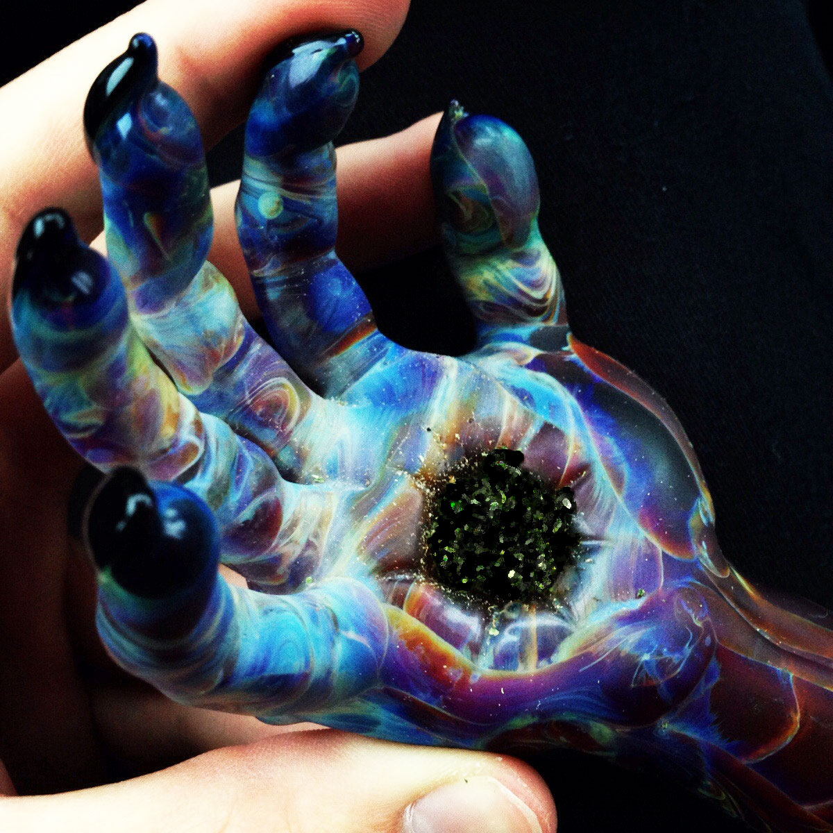 Zombie Hand Pipe