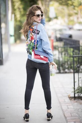 the blonde salad blogger shoes sunglasses jeans t-shirt jacket bag chiara ferragni denim jacket embellished denim chanel chanel bag black jeans skinny jeans