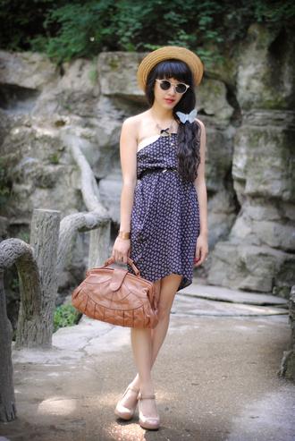 dress white dress blue dress leeloo