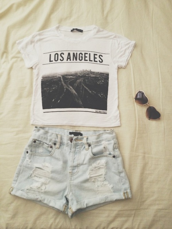 shirt los angeles white black crop tops sunglasses los angeles top t-shirt shorts brandy melville hipster High waisted shorts white crop tops trill los angelous crop. top High waisted shorts denim shorts