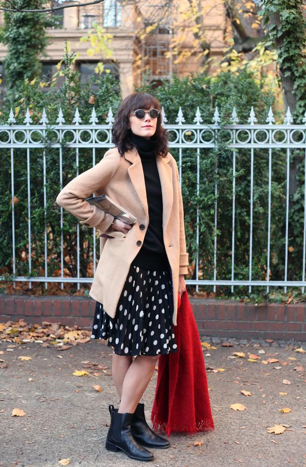 che cosa coat skirt scarf shoes sunglasses bag