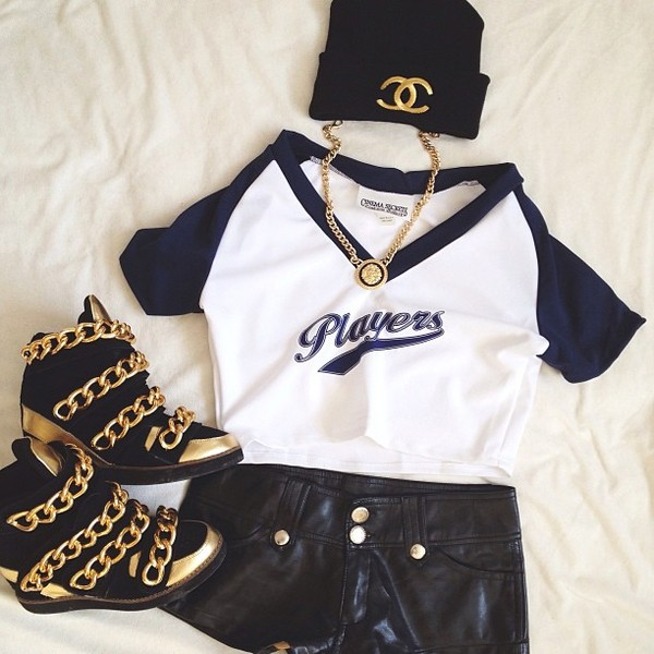 shoes gold chain leather baseball jersey wegdes shirt shorts hat jewels high top sneakers leather shorts tiger chain players shirt baseball shirt t-shirt gold high top sneakers t-shirt i heart boys basketball basketball jersey basketball t-shirt players graphic tee
