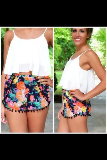 shorts printed shorts white top pom pom shorts