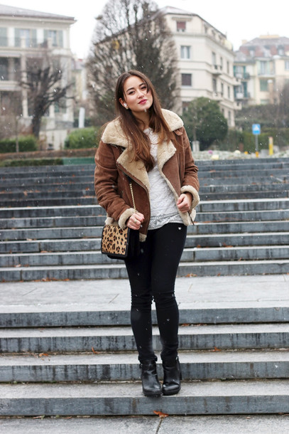 blaastyle blogger shearling jacket leopard print black jeans brown shearling jacket brown jacket white top animal print animal print bag black boots thick heel winter outfits winter jacket