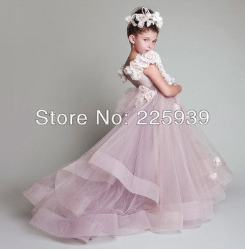 Aliexpress.com : Buy 2014 Sweetheart Spaghetti Traps Shiny Silvery Sequins Beaded Lace A Line Natural Waist Elegant Wedding Dresses Gowns New from Reliable dresses black suppliers on Tracy Me