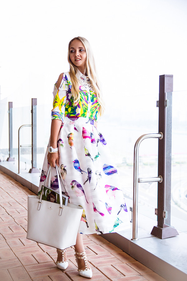 my blonde gal skirt bag blouse jewels shoes