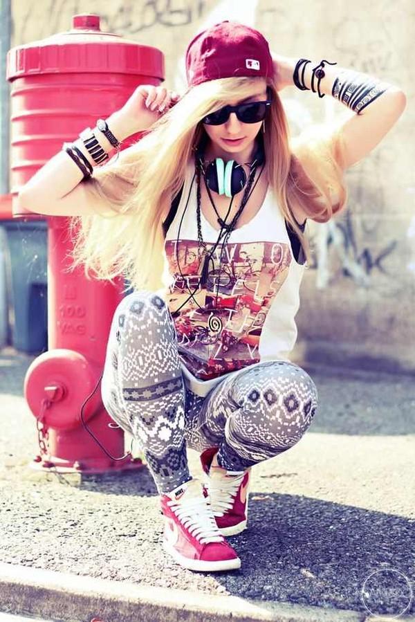 shoes hat brackets headphones leggings sunglasses necklace muscle tee tank top jewels shirt pants earphones
