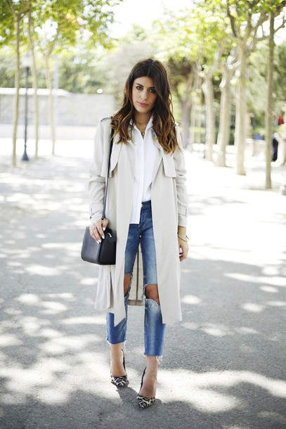 le fashion blogger bag trench coat hairstyles leopard print high heels ripped jeans white shirt shoes