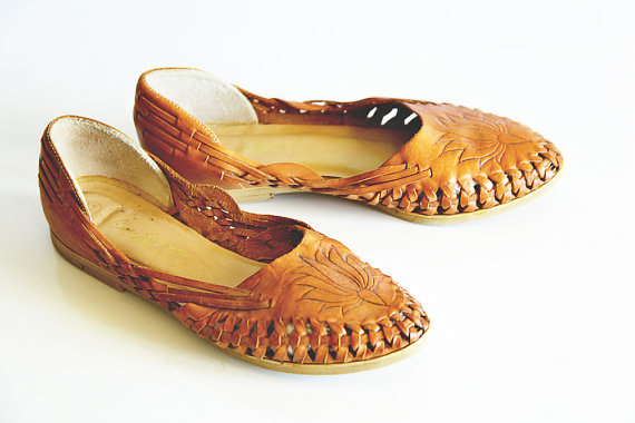 Vintage Brown Leather Sandals Shoes 8 M Flower by poshcouture