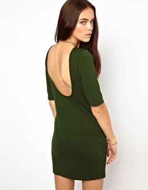 Glamorous   Glamorous - Mini robe en jersey texturé avec dos décolleté chez ASOS